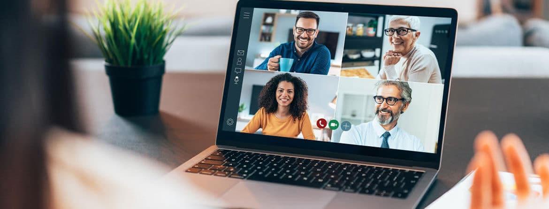 Videoconferencia de cuatro personas